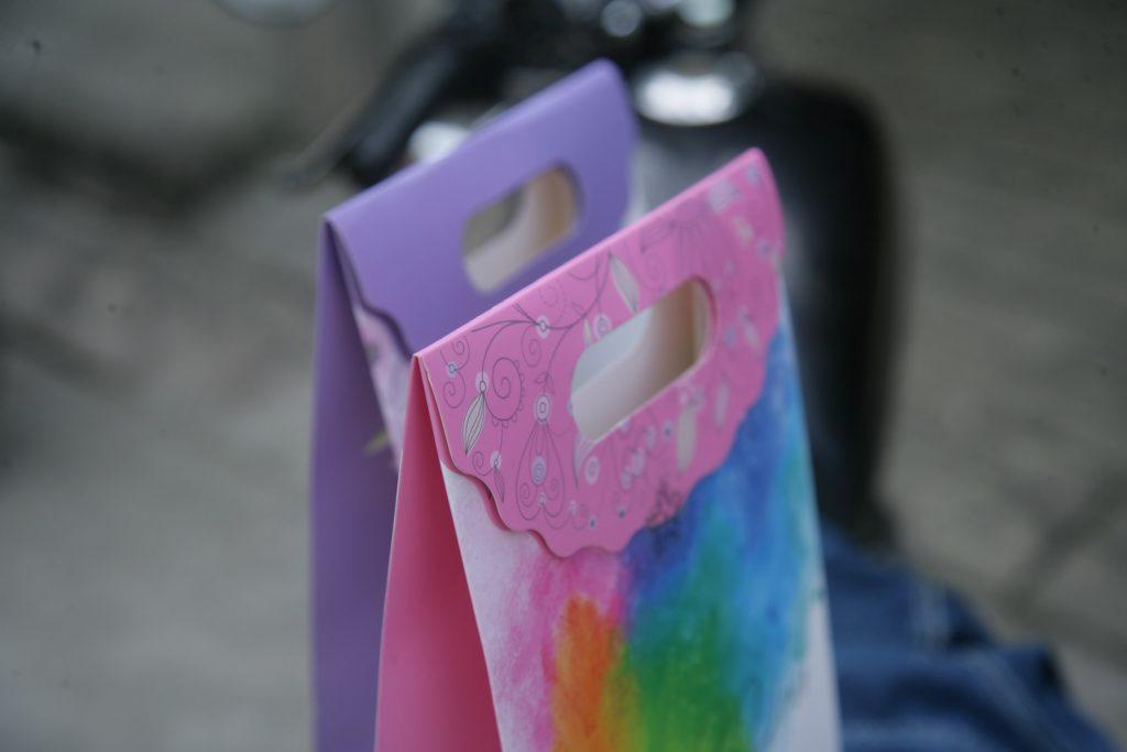 Túi giấy nắp gấp size M